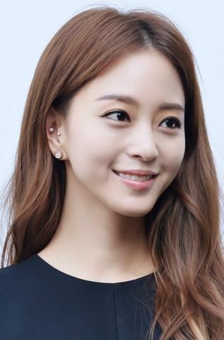 美女诞生韩剧女主角的头发是什么颜色的