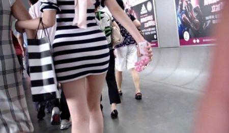求:穿斑马条纹美女的那个视频