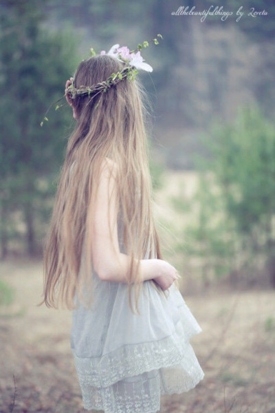 求长发女生背影头像图片