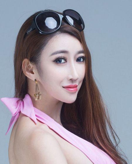 谁知道这个女模特叫什么名字的