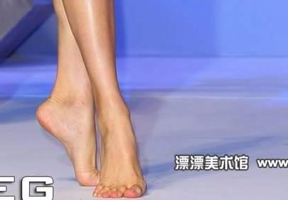 美女脚的图片