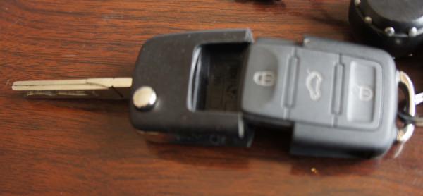 2012 高尔夫6 钥匙 怎么 换电池高清图片