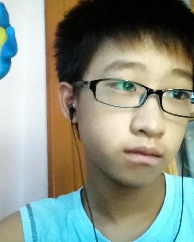 求13,14岁 帅男孩的照片