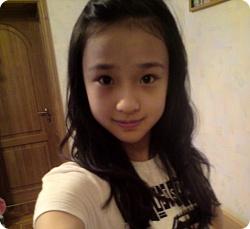 同一个女孩生活照_同一个人的女生照片美女QQ皮肤图片╋多儿