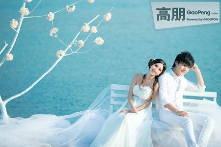 帅哥美女 你们有谁还有这两个人拍的婚纱照图片吗