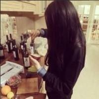这种类型的女生头像唯美伤感黑长发