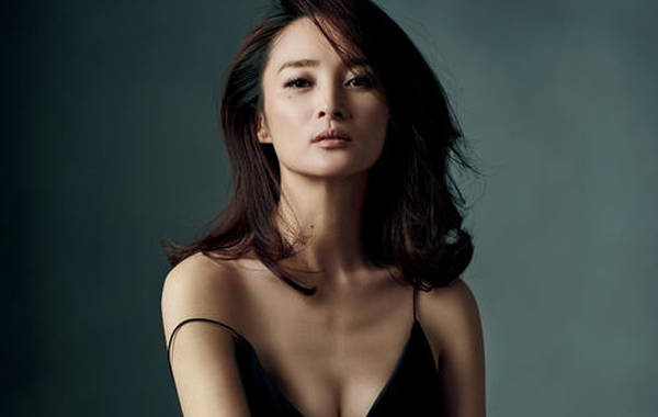 蒋勤勤,1975年9月3日出生于重庆,中国内地女演员,毕业于北京电影学院图片