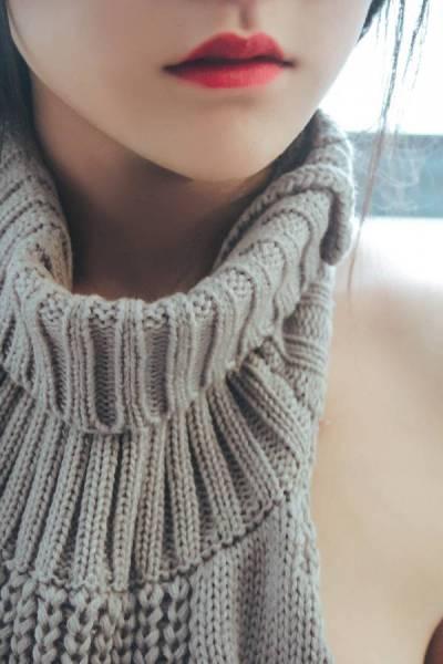 团子毛衣少女