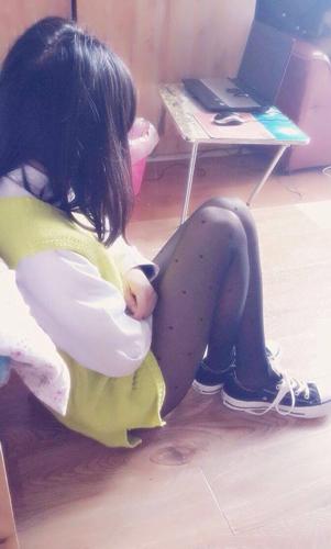小学生学校穿丝袜