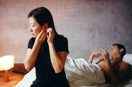 姐姐和弟弟性爱电影_6部电影恋爱教科书,教你怎么勾搭熟女!