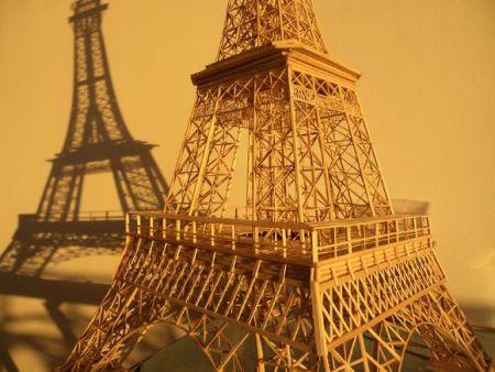 请问用一次性筷子怎么做巴黎铁塔呢 要有 制作 过程